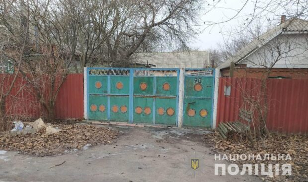 На Харьковщине рецидивист арендовал дом и вынес оттуда ванну, и чугунные батареи
