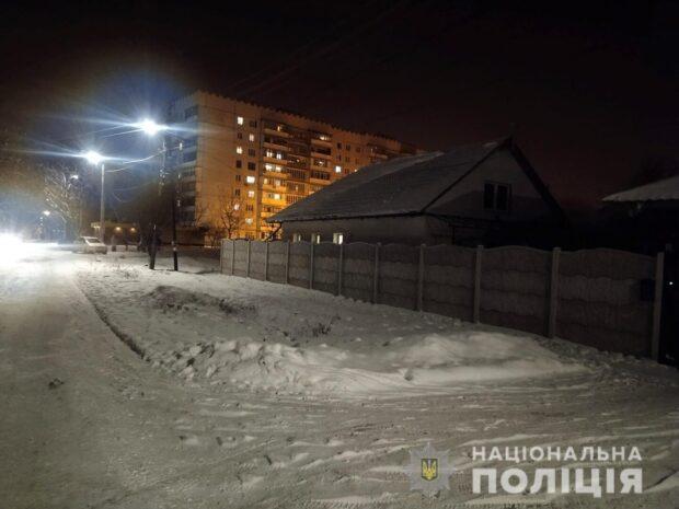 В Харькове мужчина проник в чужой дом и устроил драку с хозяевами, когда те вернулись домой