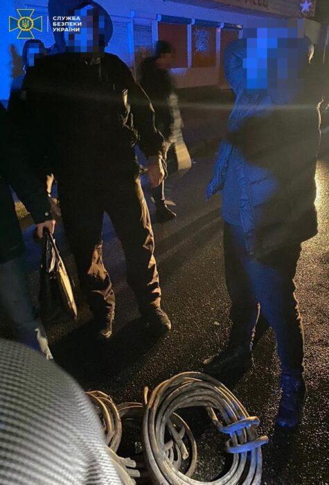Задержание харьковских полицейских, которые с сообщниками воровал кабели спецсвязи: в СБУ рассказали подробности
