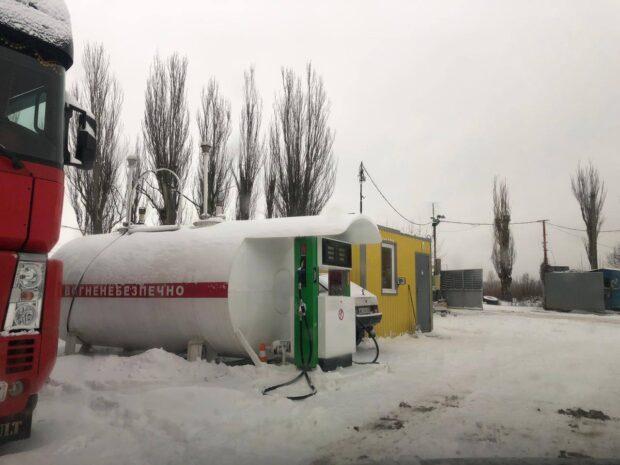 В Харьковской области на нелегальной заправке нашли 12 тонн топлива