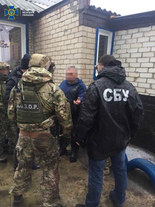На Харьковщине СБУ блокировала канал нелегальной миграции из России, который использовал криминалитет
