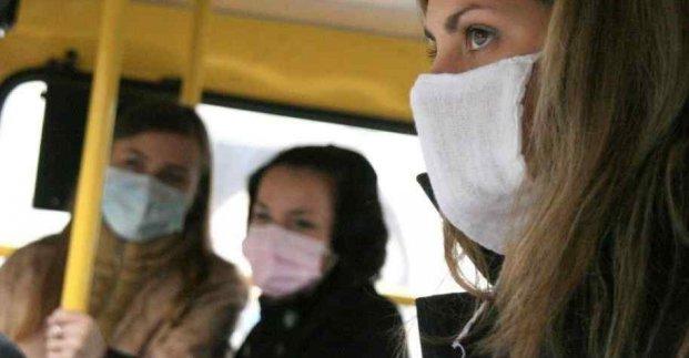 В Харькове водители общественного транспорта будут выдавать пассажирам маски