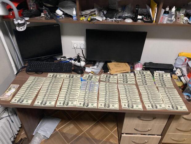 Хакеры из Харьковской области обокрали зарубежные банки на 2,5 миллиарда долларов