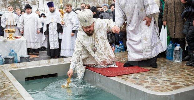 В Харькове на Крещение в храмах пройдут богослужения, а на источниках освятят воду