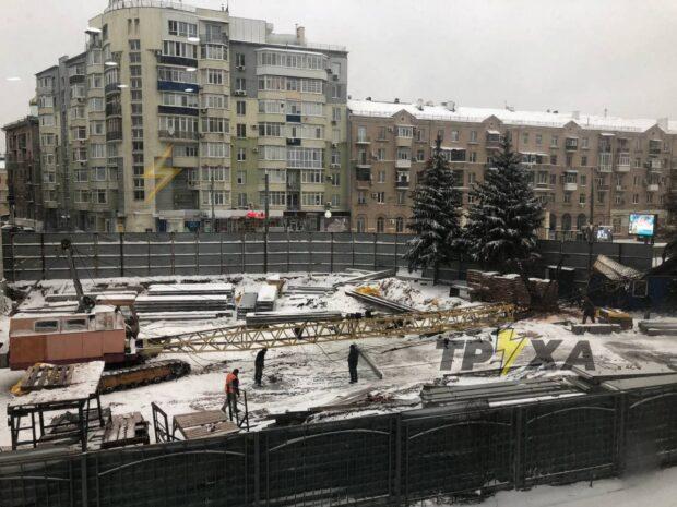 В центре Харькова упал строительный кран - соцсети