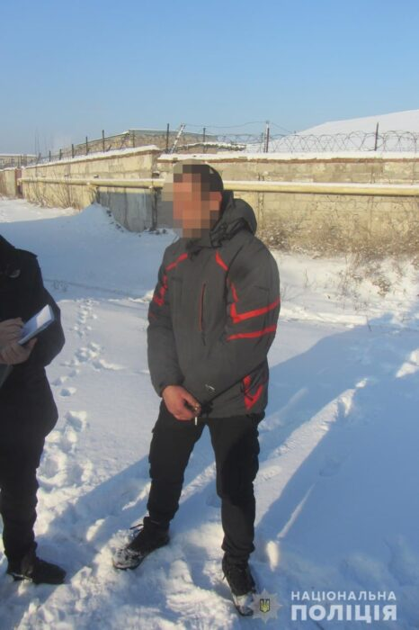 В Харькове рецидивист украл аккумулятор с автомобиля