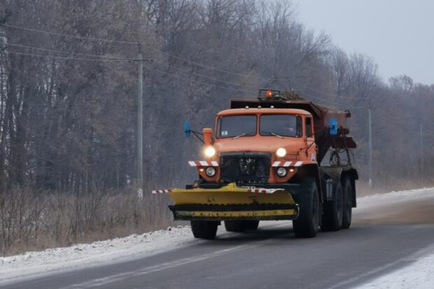В течение суток на дорогах Харьковской облаcти работало 197 единиц техники