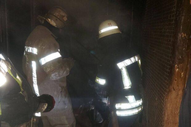 В Харькове горел балкон в девятиэтажном доме: эвакуировали 12 человек