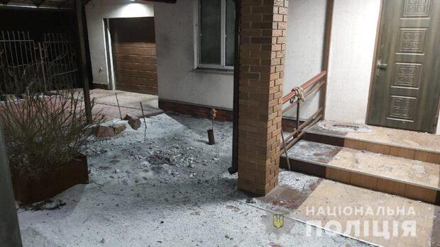 В поселке Рогань мужчине во двор бросили гранату РГД-5