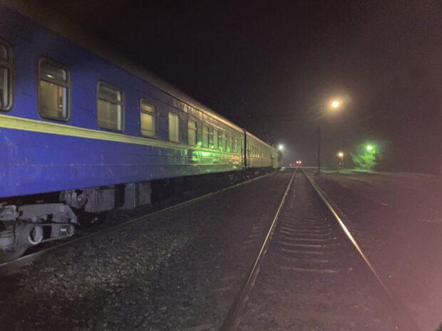 Под Харьковом женщина бросилась под поезд