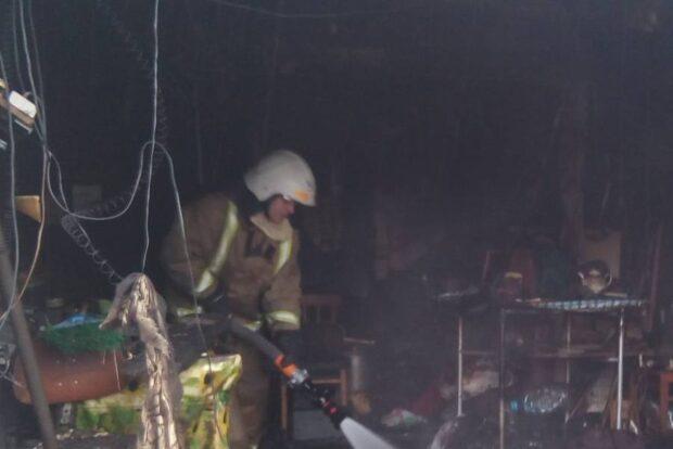 Под Харьковом на пожаре в гараже нашли труп мужчины