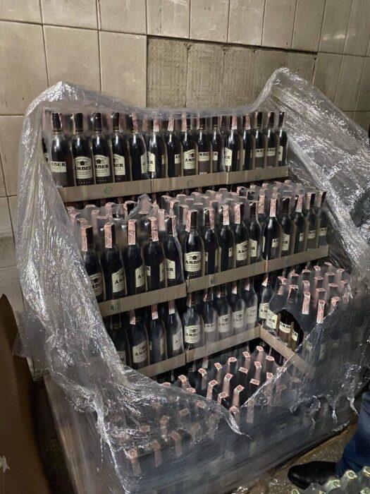 В центре Харькова нашли цех по производству поддельного алкоголя