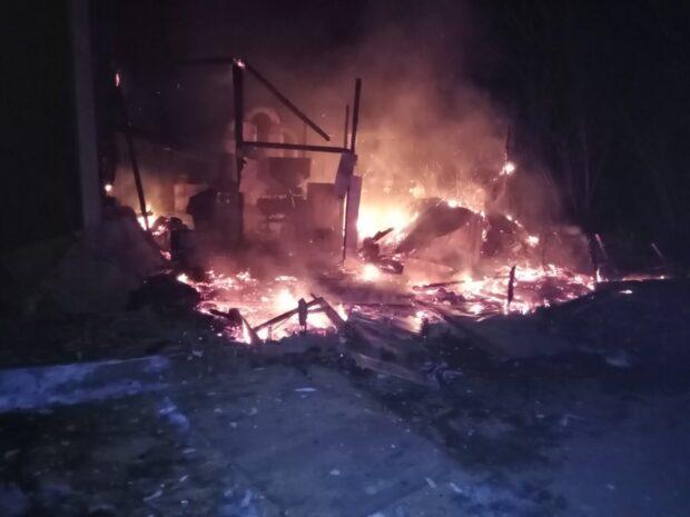 В Харьковской области сгорел цех по производству топливных брикетов