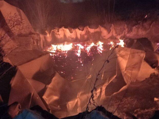 В Харькове на территории завода горел металлический ангар