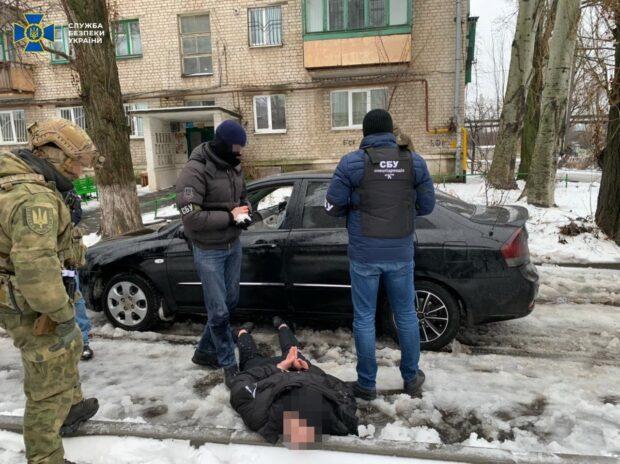 СБУ задержала участников группировки, которая терроризировала жителей Харьковщины (