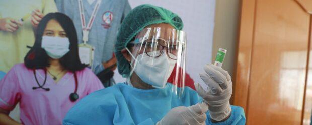 В Украину прибыла первая партия вакцины против COVID-19