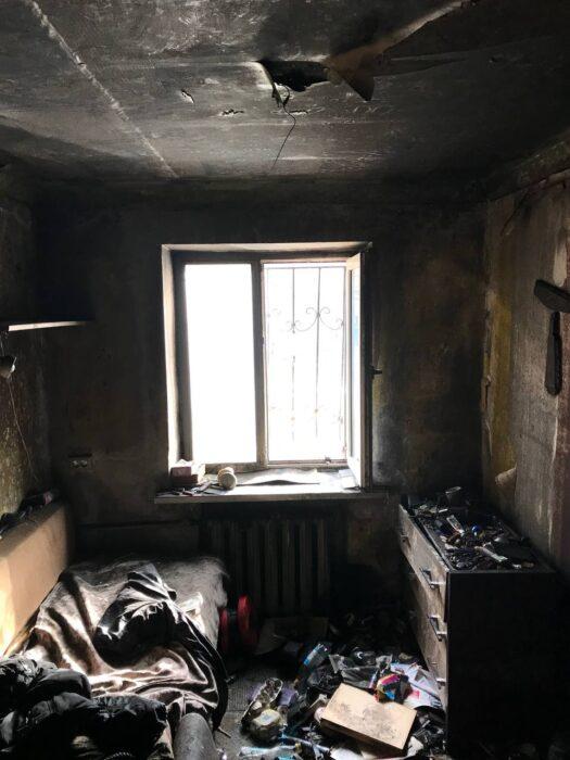 В Харькове в пятиэтажном доме сгорела квартира: погиб хозяин