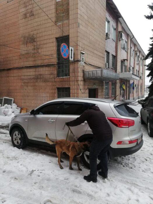 В Харькове в сервисном центре МВД и апелляционном суде искали бомбу