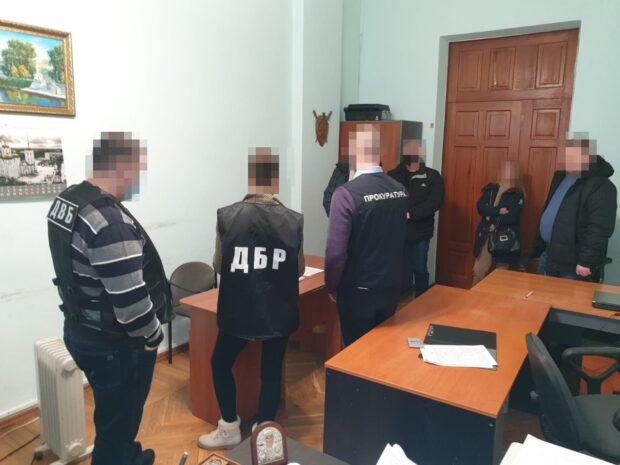 Полицейским, которые избили комбайнеров в селе под Харьковом, сообщили о подозрении
