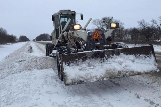 На Харьковщине от снега расчищено 1752 км дорог