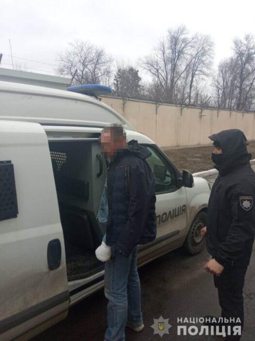 Правоохранители Харьковщины задержали киевлянина за совершение разбойного нападения в электричке