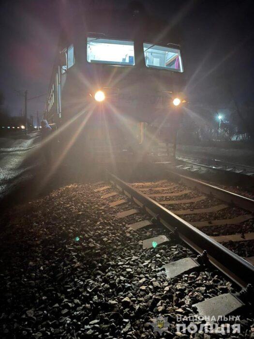 Под Харьковом женщина попала под поезд: пострадавшая умерла в больнице