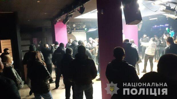 В Харькове полиция сообщила о подозрении директору ночного клуба за нарушение карантина