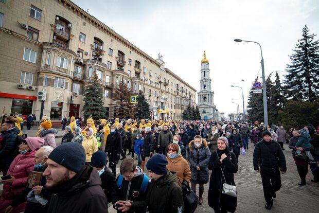 В Харькове состоялся многотысячный крестный ход верующих УПЦ МП