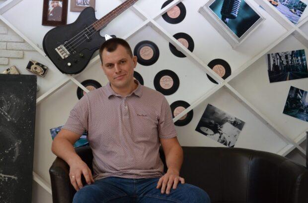 Депутат партии Порошенко попросил прощения за русский язык на сессии областного совета