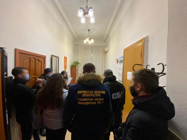 """За вымогательство взяток должностные лица АО """"ХТЗ"""" предстанут перед судом - прокуратура"""