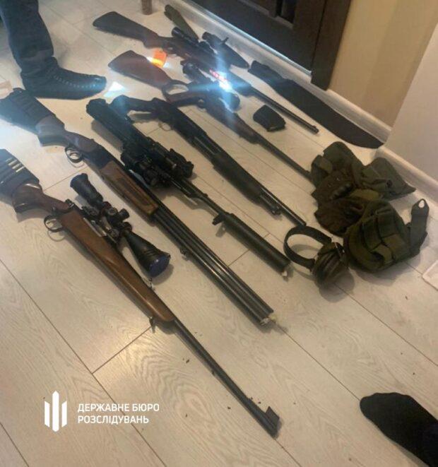 В Харькове полицейского подозревают в причастности к незаконной выдаче разрешений на оружие
