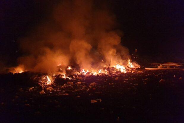 В Харьковской области горела свалка