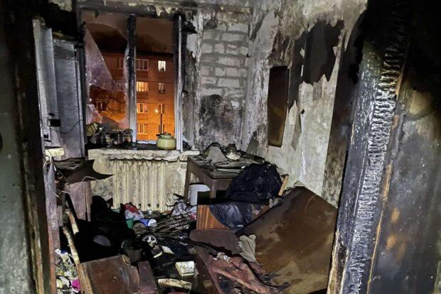 В Харькове в жилом доме горела квартира: от ожогов скончался мужчина
