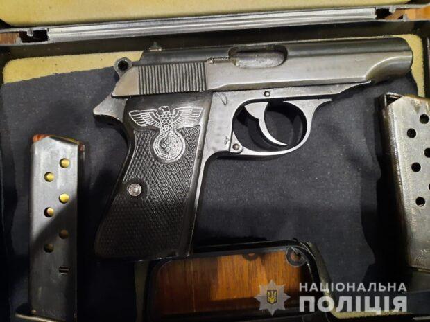 Харьковские оперативники разоблачили группу мужчин, причастных к торговле оружием