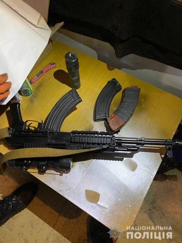 Под Харьковом полицейские нашли у мужчины оружие и боеприпасы