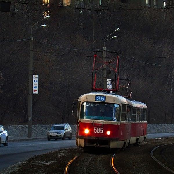 Чтобы оставить на улице Веснина и Журавлевском спуске одну трамвайную колею, заказывают два проекта на 3,5 млн гривен - ХАЦ