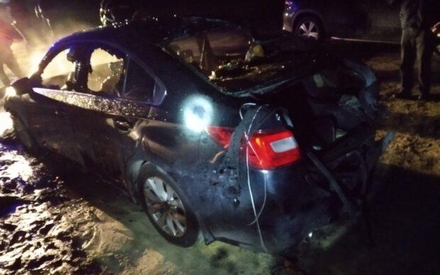 В Киевском районе Харькове ночью сгорело два автомобиля