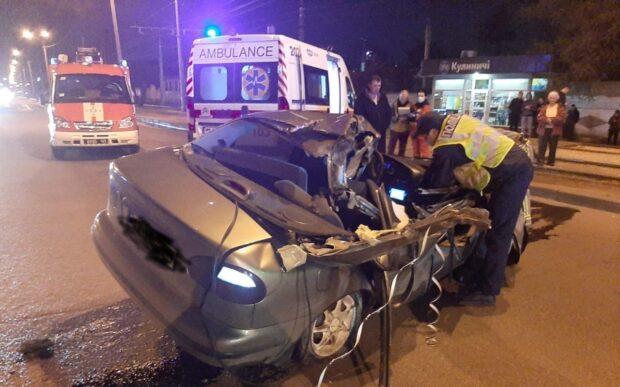 В Харькове в результате автокатастрофы погиб водитель автомобиля