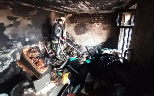В Харькове в 9-этажном доме сгорела квартира: эвакуировали 12 жителей