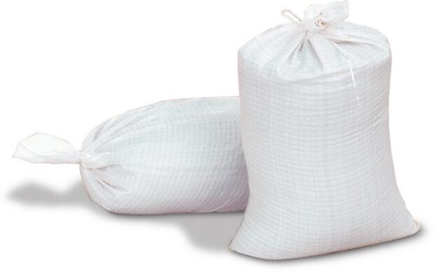 """В Харьковской области мужчина """"продавал"""" мешок сахара за пол цены, брал деньги и исчезал"""