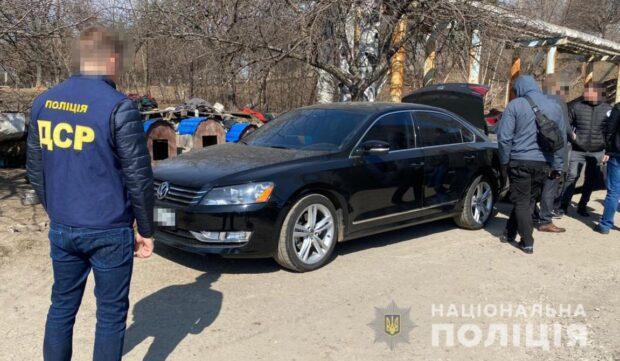 В Харькове полиция сообщила о подозрении четырем активистам, которые пытали мужчину