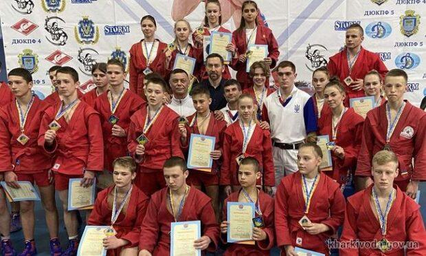Самбисты Харьковщины завоевали 15 медалей на чемпионате Украины