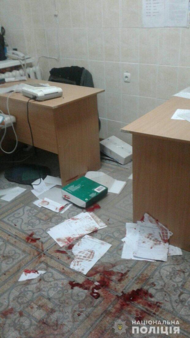 Под Харьковом пьяный мужчина устроил драку в больнице