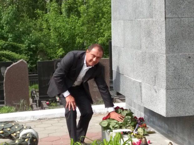 В Харькове депутат горсовета занимал троллейбусному и двум трамвайным депо почти 700 тысяч долларов