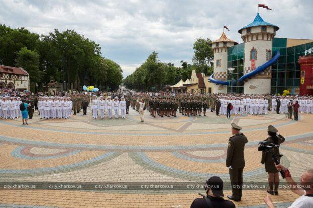 В парке Горького прошел выпуск учеников Кадетского корпуса