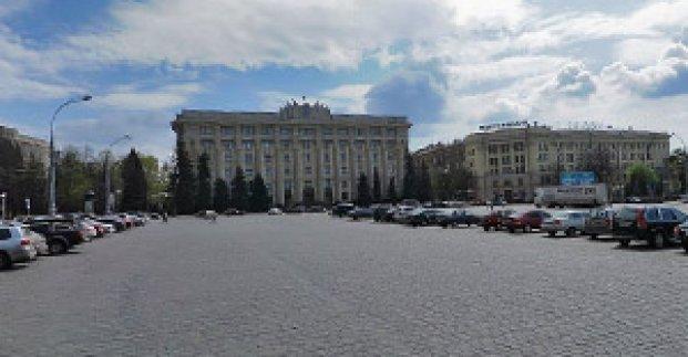 На площади Свободы временно ограничено движение транспорта
