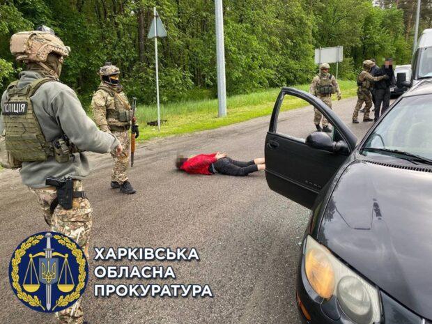 В Харькове трое мужчин ворвались в частный дом и пытали хозяйку утюгом