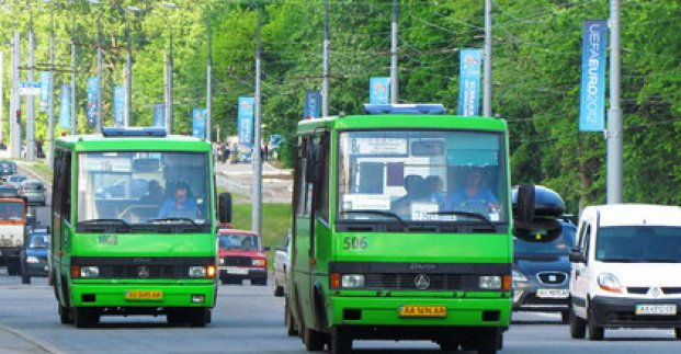 На Красную горку в Харькове откроют дополнительные автобусные маршруты