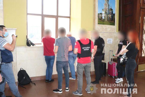 В Харькове задержали азербайджанца, который вербовал женщин для занятий проституцией