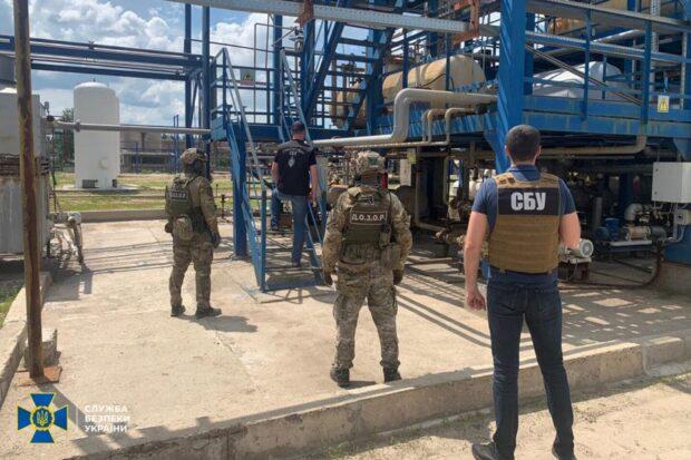 В Харькове СБУ разоблачила подпольное производство горючего: изъяли продукции и оборудования на 54 млн грн